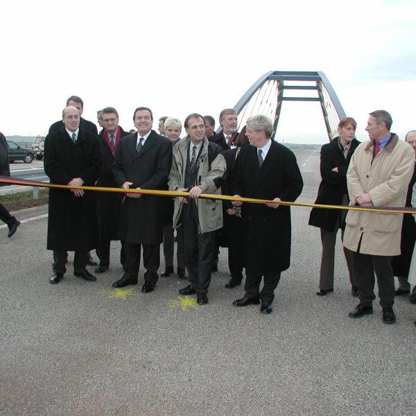 Verkehrsfreigabe der A 14 mit Bundeskanzler Gerhard Schröder