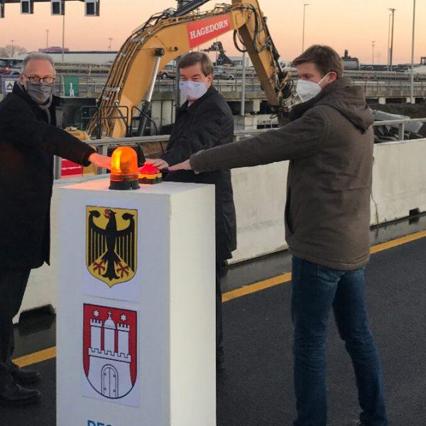 Baubeginn südlich des Hamburger Elbtunnels: Dirk Brandenburger (DEGES), Enak Ferlemann (BMVI) und Martin Bill (Behörde für Verkehr und Mobilitätswende), von links